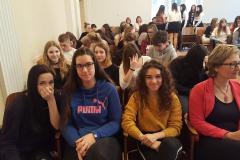 Studenti obchodní akademie s Mgr. Monikou Schweidlerovou, vyučující anglického jazyka